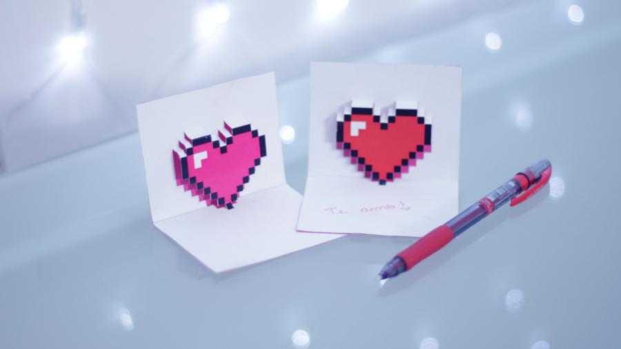 DIY Cartão Dia dos Namorados 3D Pop-Up Coração Pixel Art